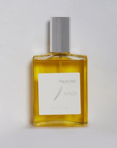 Fragrant body oil