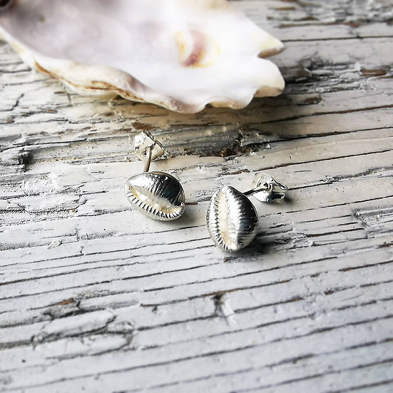 Sterling silver solid conch shell earrings studs