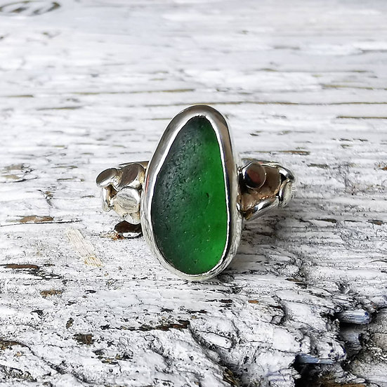 Stunning green sea glass sterling silver pebble ring