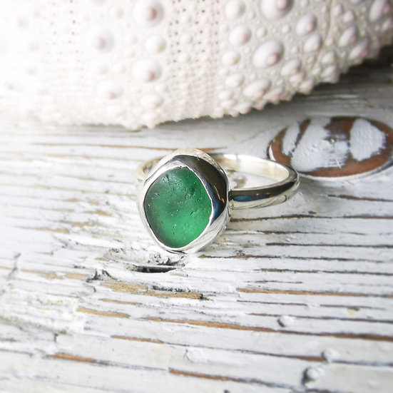 Simple sterling silver green sea glass ring size UK L