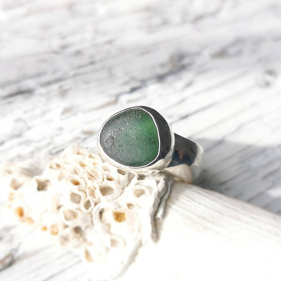 Chunky sterling silver green sea glass ring. UK size N