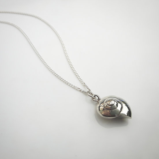 Sterling Silver Small Spiral Shell Pendant Necklace