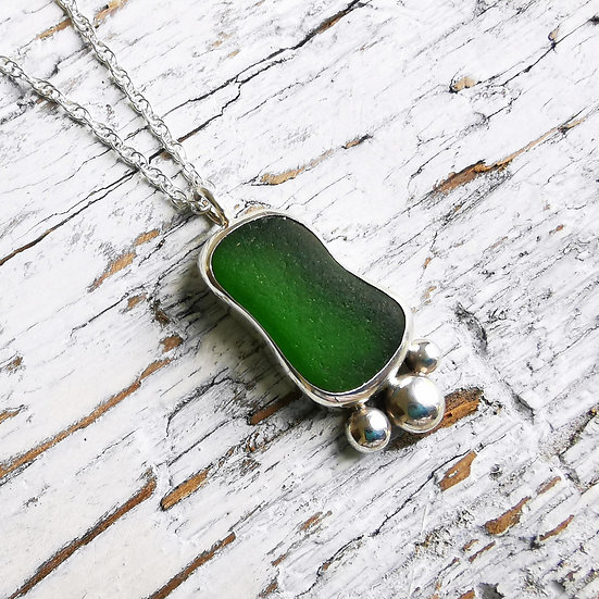 Sterling silver green pebble sea glass pendant necklace