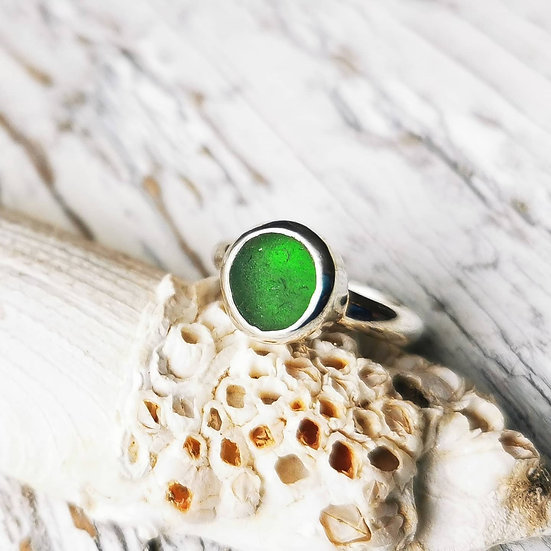 Sterling green sea glass ring UK size M