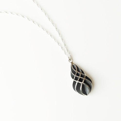 CROSSING OXIDISED PENDANT
