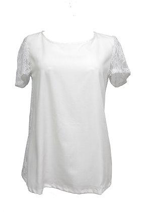 """Blusa """"Branca com Renda nas Costas"""" Botões"""