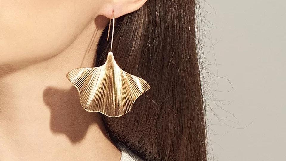 Gold earrings  vintage  rust
