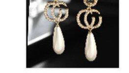 Cg pearl earrings