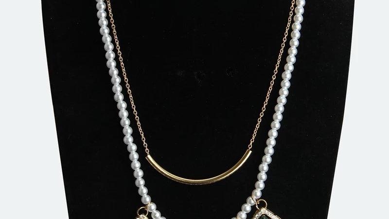 Pearl multicoloured necklace
