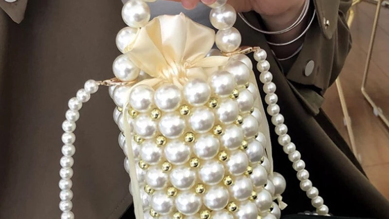 Pearl clutch purse preorder service only