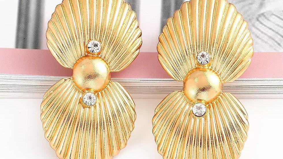 Pat gold earring