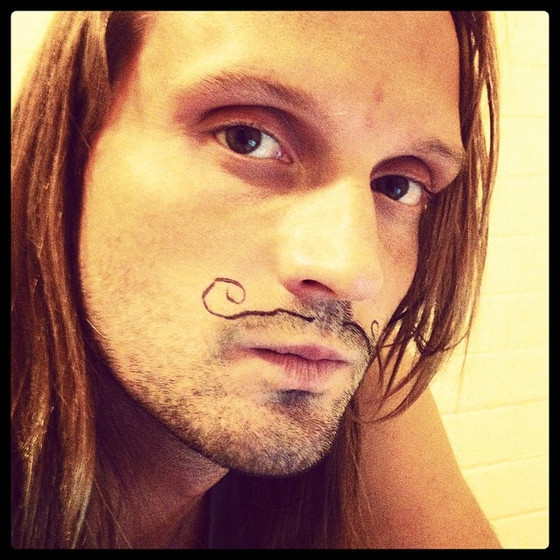 Movember on läbi, aga vuntsid võiks jääda
