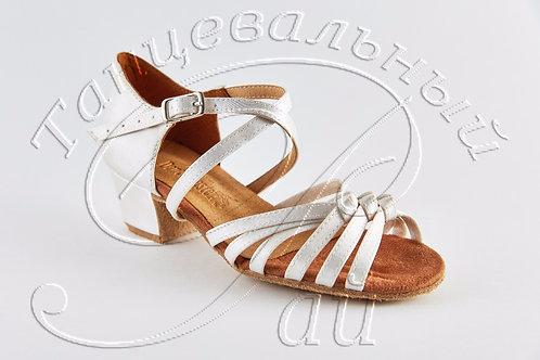 Рейтинговые туфли с 3 узелками