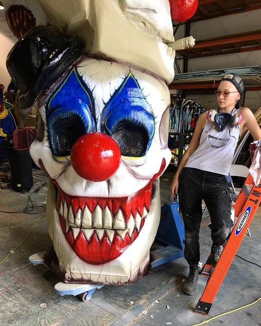 Cheesin' #clown #halloween #sculptureart
