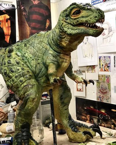 Dino dude being cute af. #dinosaur #real