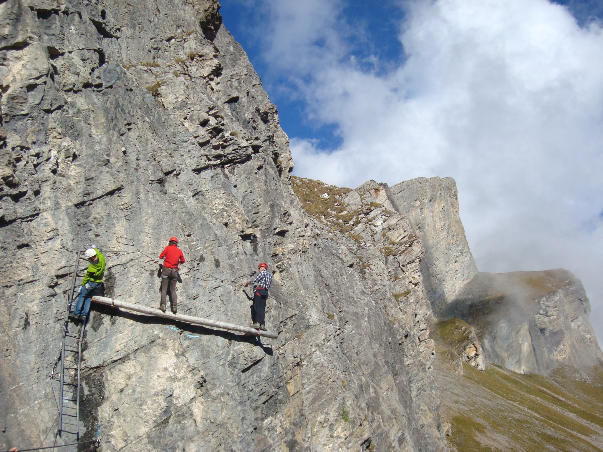 Klettersteig Leukerbad : Klettern auf der gemmi daubenhornin klettersteig leukerbad