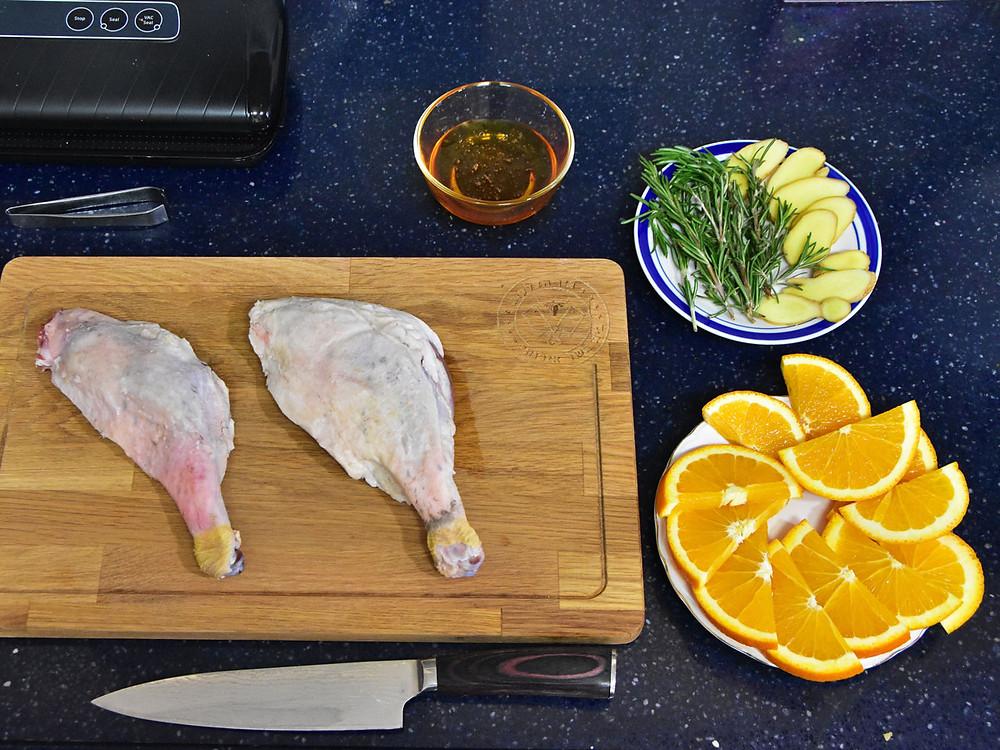מרכיבים להכנת שוקי אווז בסו-ויד