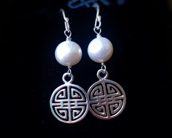 The freshwater pearl Asian inspired earrings