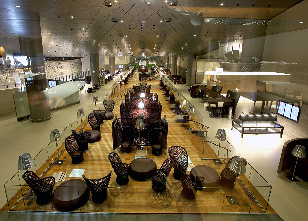 1500,1500-chris-qatar-airways-business-lounge-2