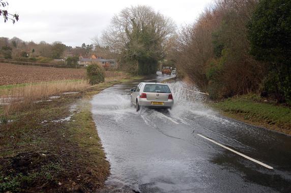 Beeches Hill 2005 Minor flooding. Tony Hunt.