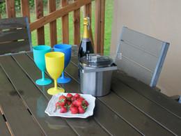 Hazel Safari outdoor eating