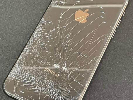 iPhoneの背面ガラス割れでもう悩まないで!《iPhone修理 パソコン修理 富山 高岡》