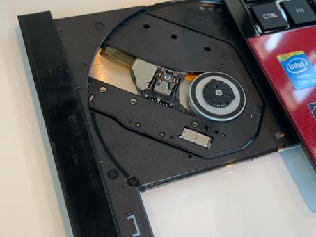 《パソコン修理 富山》音楽や映像を見たり、記録する光学ドライブの交換を行っております!