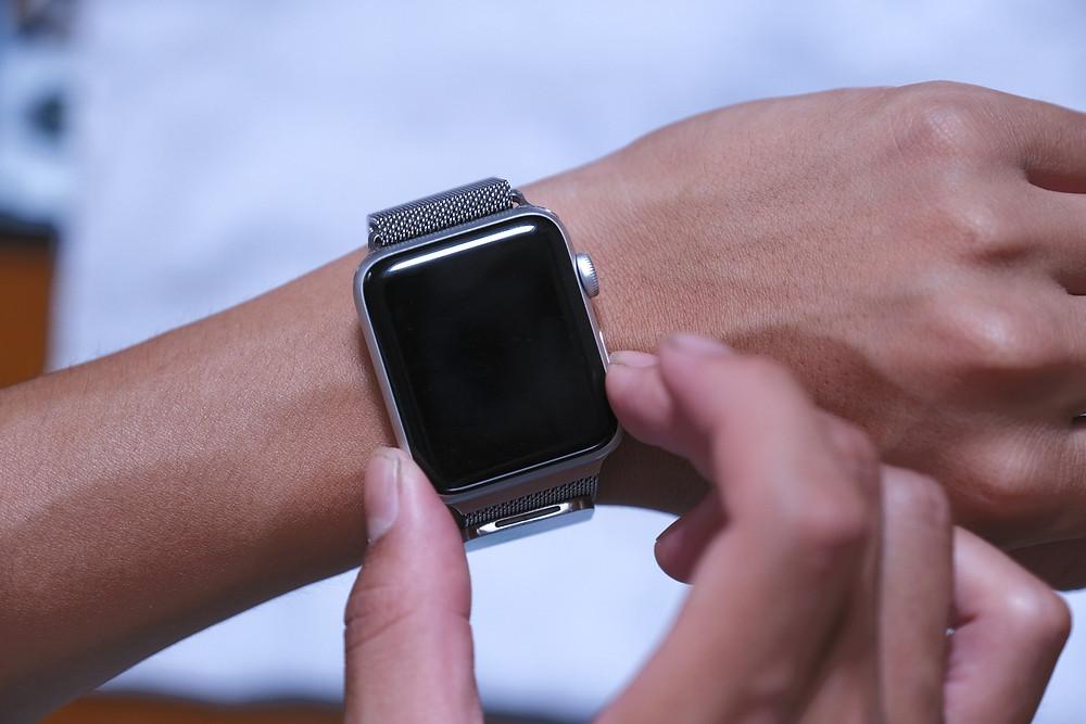 いつも身につけるApple Watchにガラスコーティングが最適♪