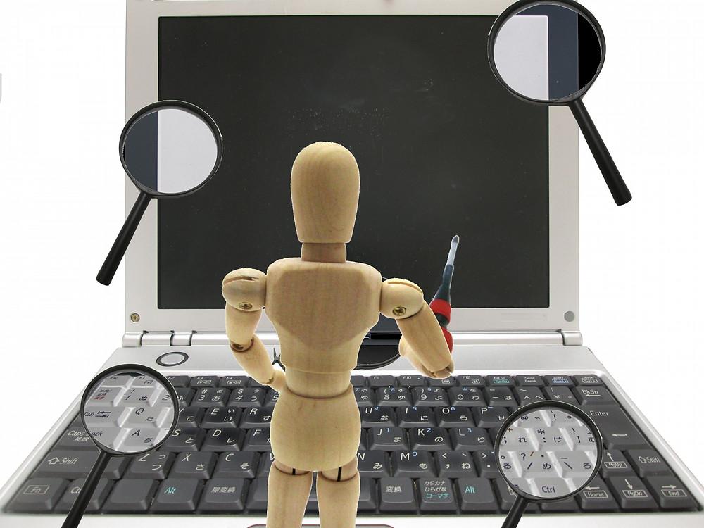 パソコン修理専門店とメーカー修理の違い