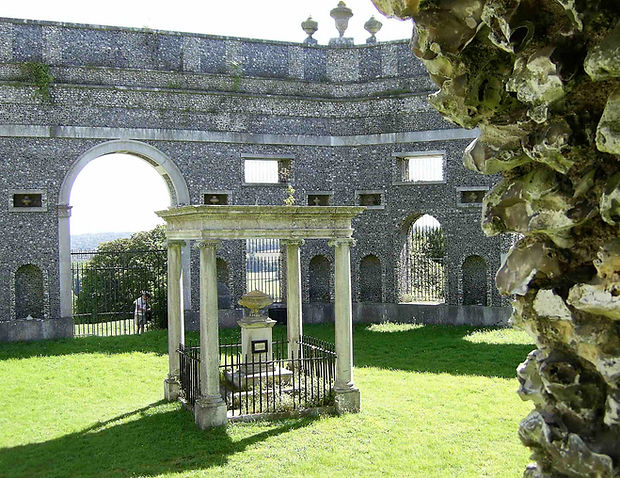 francis dashwood mausoleum hellfire club