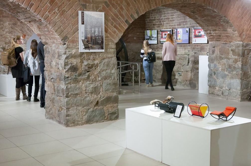 Выставка «Дизайн мебели. От Тонета до Рашида». 2018 год.