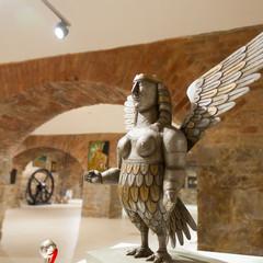 Выставка «Фрагменты» монументальное искусство, скульптура, живопись на ткани, графика