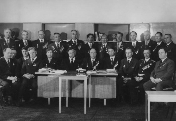 Встреча ветеранов войны и труда Свердловского архитектурного института, 8 мая 1975 г.