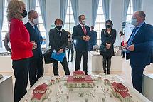 Ректор университета А.В. Долгов и директор музея Е.В. Штубова познакомили посла и членов делегации с экспозицией и выставками музея