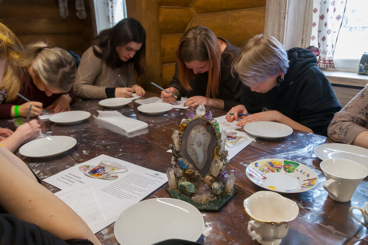 Мастер-классы Художественная керамика (художественная роспись по фарфору)