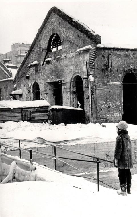 Фото Ю.А. Владимирского, сер. 1960-х гг. _______________________ Из фондов МАиД УрГАХУ