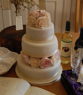 109. Wedding 3 Tier.jpg