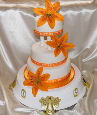 224 3 Tier Wedding Cake.jpg