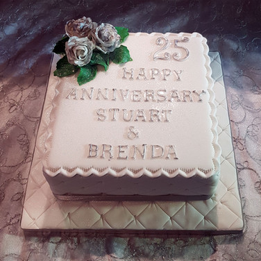 543-25th-Anniversary-Cake.jpg