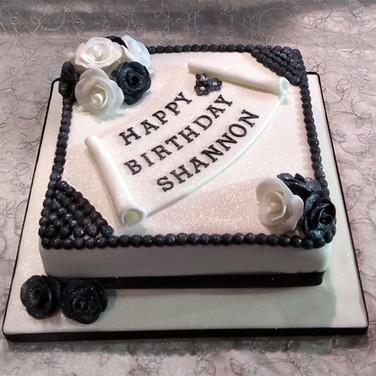 533-Black-&-White-Cake.jpg