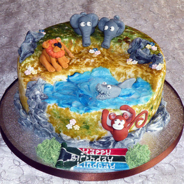 27-Animals-Water-Hole-Cake.jpg