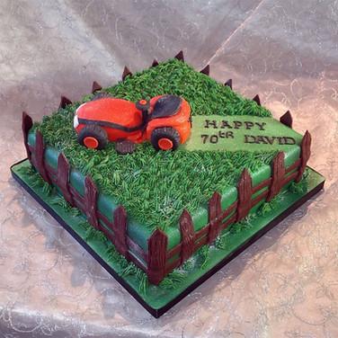 514-Lawnmower-Cake.jpg