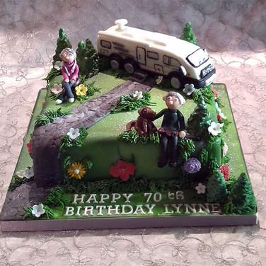 511-Hymer-Cake.jpg