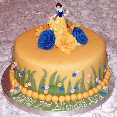 68-Snow-White-Cake.jpg