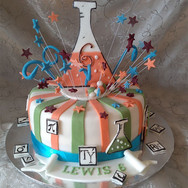 468-Chemistry-Cake.jpg