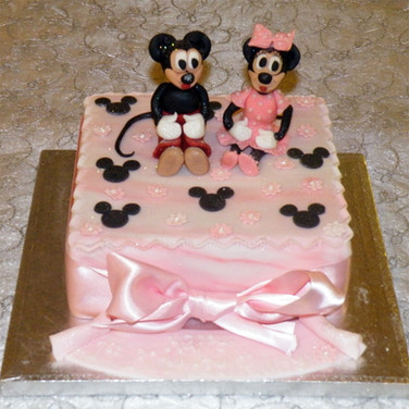 46-Mickey-&-Minnie-Cake.jpg