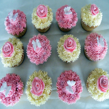 73 Butterfly & Rose Cupcakes.jpg