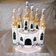 60-Disney-Castle-Cake.jpg