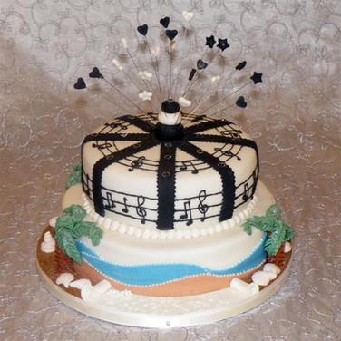 32-Musical-Cake.jpg