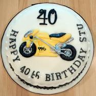 413 Ducatti 996 Cake.jpg